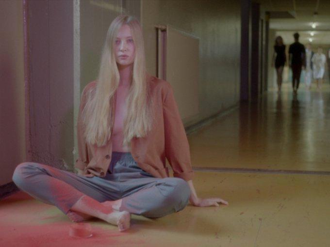 Kadr z filmu Misocromia #1, reż.  Leone